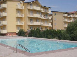 Luxury two bedroom two balcony holiday apartment 5 minutes from beach sleeps 6