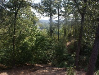 A Secluded Hideaway On Big Sugar Creek , Pineville, Missouri