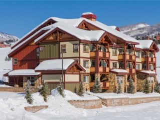 Beautiful Mtn Condo w/ Access to nearby Heated Pool, Game Room & Fitness!