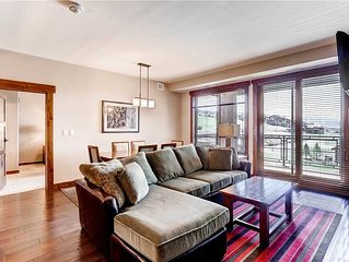 Stylish Condo w/Comfortable Furnishings, an Updated Kitchen & Private Balcony