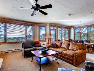 Mountain & Valley Views from Slope Side Condo! Loaded w/Amenities!