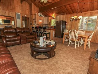 The Cozy Bear Inn - Perfect cabin for your family getaway.