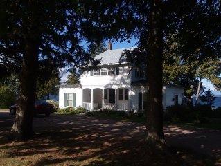 Beautifully Restored Farmhouse On Lake Champlain
