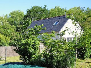 Breton house: the quiet countryside less than 1km from the beach