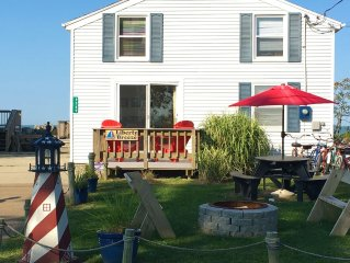 Charming Cottage on Lake Erie (Near Port Clinton) Free WiFi, Lakefront, Beaches