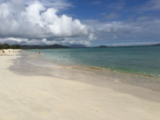 Beachside Kailua,  Immaculate & Private 1 BR,  stones throw to Kailua Beach!