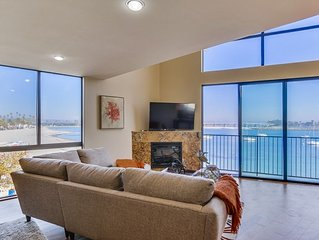 *LUXURY* Bayfront Penthouse w/ Amazing Water Views!
