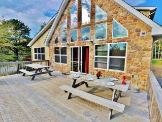 'Lakestone' Lake Front View, Near Beach and Playground, Hot Tub, Pool Table