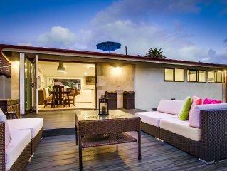 Sea Breeze: 3 Bedroom 2 Bathroom, Indoor Outdoor Living Space, Steps to Beach