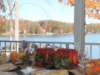 Spend Thanksgiving at the Lake - beautiful, Private Side home