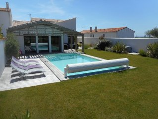 NEW LUXURY VILLA 8 PERS. HEATED POOL