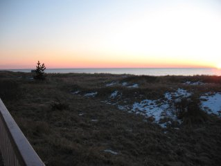 PANORAMIC VIEWS OF THE DUNES AND OCEAN FROM THREE DECKS