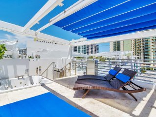 Penthouse Apartment W/Private Deck & Hot Tub!