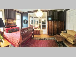 Ellerbeck Mansion B&B World Travler Room