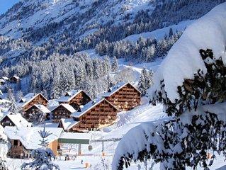 Large, duplex, ski in/out penthouse appt for 10: Oz en Oisans, Alpe d'Huez