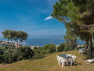 charming independent villa exceptional sea view 6 minutes from the village cent