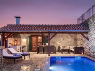 Charming Stone Villa- Cottage with Private Heated Pool and lovely ocean view