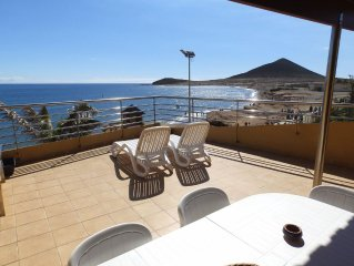 Nice Duplex with large terrace frontline Medano Beach