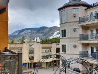 1 MINUTE WALK TO SKI LIFT & GONDOLA! STUDIO FOR 4 IN THE HEART OF VAIL LIONSHEAD