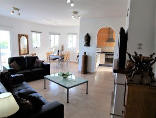 El Pinar villa,pool, large terraces,sea views,wifi, UK TV,  sleeps 2 to 7