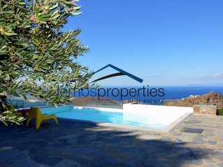 Villa Ailea with an infinity swimming pool and a great sunset and sea view.