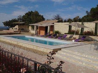 Grand Mas avec piscine chauffee pour 10 pers, 3 Salles de Bains  vue panomarique
