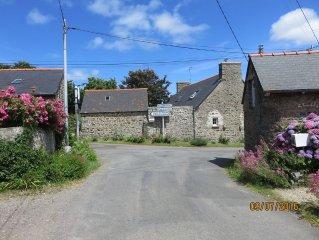 Maison ancienne Bord de Mer, Plage 400 m, 5 personnes, baie de Saint Brieuc