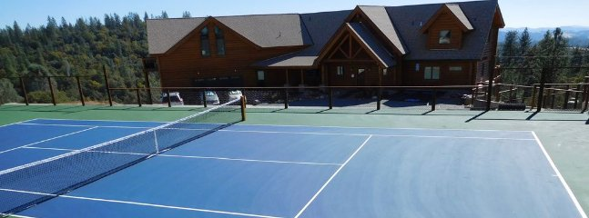 Upper tennis court-walk on privileges for vrbo guests