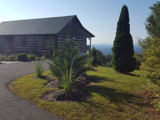 Fabulous cabin with extraordinary view 7NC/VA counties