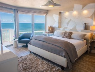 *PRIVATE beach*~ Absolute DIRECT OceanFRONT Condo/Loft free WiFi MODERN/LUXE