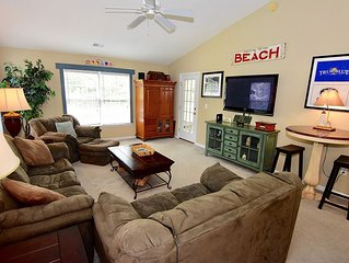Relax in this beautiful 3 bedroom unit located on True Blue Golf Course
