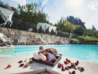 Villa Nuba,residenza Perugino,5min dal centro,parco giochi,jacuzzi,eco piscina