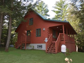 Private and Pristine, New decor, Hot Tub, Gazebo, Cable, 3 bdrm, 2 BA, sleeps 13