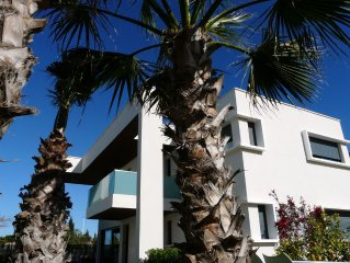 Luxe villa, beach700m, 8pers, 56m2 pool, BBQ, bikes/pooltable/pingpong/soccer