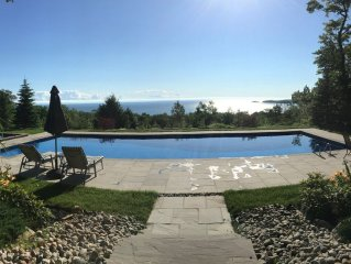 50' Pool, Hot Tub, 22 Acres with Spectacular Georgian Bay Sunsets & Beach