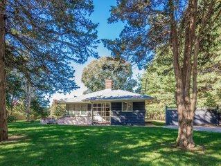 STYLISH EAST HAMPTON HOME | NEAR BAY, DINING, FARM STAND | 5* REVIEWS