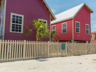 Purple Pearl Cottage with a Pool and Modern Amenities