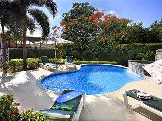 VILLA VERANDAH *Great Pool* near Beach sleeps 2-8  Air Conditioned.  * VIDEO !