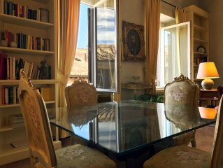 Entire luxury apartment Piazza Margana 21