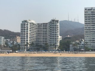 Beachfront Condo-Acapulco-Magnificent Views