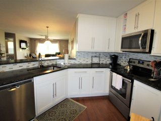 Isla Del Sol Vista Verde East 4-129 Ground Floor Unit With NEW Appliances