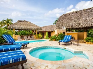 PRIVATE VILLA - 5BED-5BTH-- FULL STAFF W/COOK -PRIVATE POOL AND JACUZZI