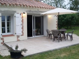 Long House Retreat, Sleeps 6, close to the beaches of St Jean de Mont
