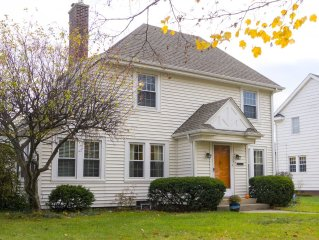 Charming 3br home with hot tub - 2 miles from Notre Dame's campus!