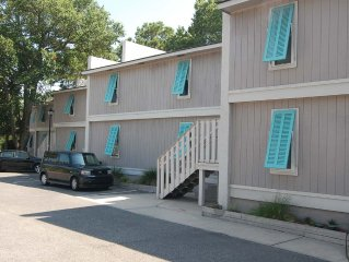 Bike to Sullivan's Island: Fresh 2BR/1BA Marsh Grass Condo