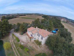 Maison de campagne à 3 km de Vaison entourée de pins et de vignes