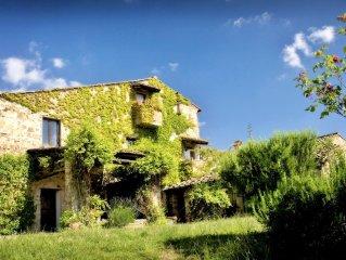 Beautiful historic Villa on organic olivr farm, with pool & sunset views