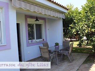 Aigion: Gîte dans orangeraie bio, agréé par l'Office Hellénique du Tourisme.