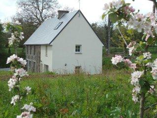 Maison restaurée, dans un havre de paix 10 mn de la plage  ' 9kms de GRANVILLE '