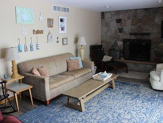 Directly on Houghton Lake-great swimming! 3 bedrooms-wifi & cable tv